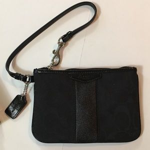 Coach Wristlet Black Small New with Box 🎀